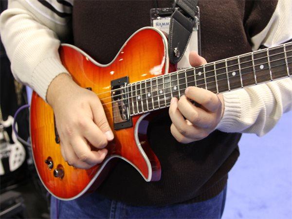 free beginner guitar lessons. Black Bedroom Furniture Sets. Home Design Ideas
