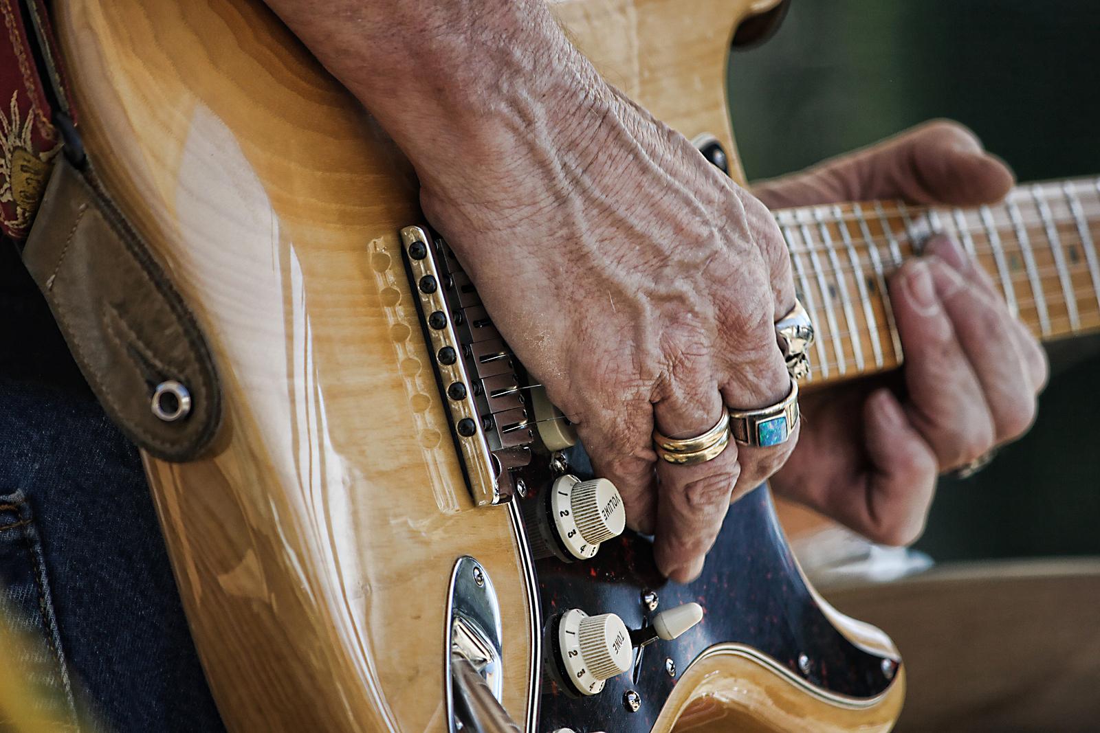 youtube-blues-guitar.jpg